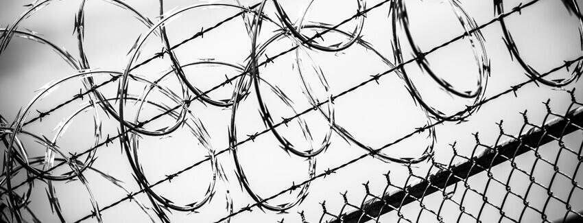 Dozór elektroniczny – czyli odbywanie kary pozbawienia wolności poza zakładem karnym