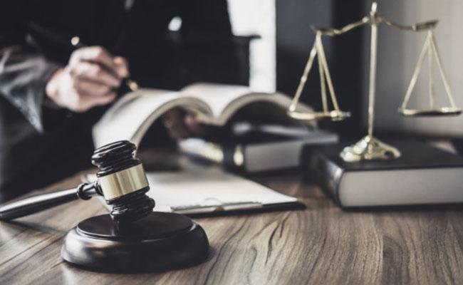 Oddalenie powództwa na posiedzeniu niejawnym – oczywista bezzasadność powództwa